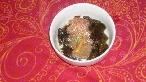 Wakame-Salat mit Grapefruitfilets